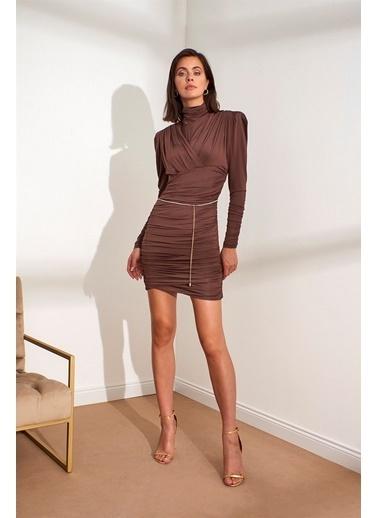 Setre Oranj Balıkçı Yaka Uzun Kol Zincir Kemerli Elbise Kahve
